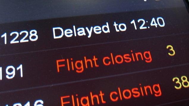 Book a 6 AM Flight to Minimize Delays
