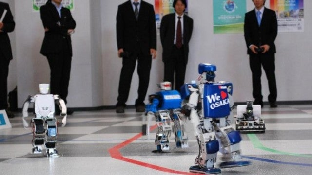 See the world's first robot marathon from the robot's point of view