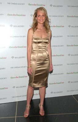 Helen Hunt Finds Birth Mother, Pretty Dress At Film Premiere