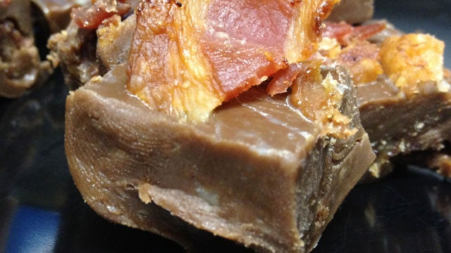 Maple Bacon Fudge: The Homemade Snacktaku Review