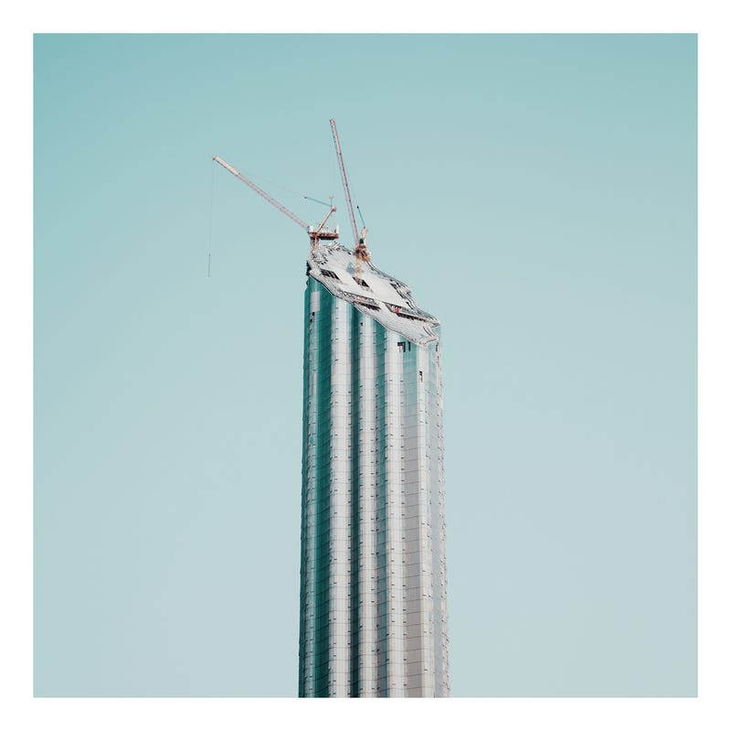 Gorgeous Windswept Photos of Dubai's Booming, Bloated Metropolis