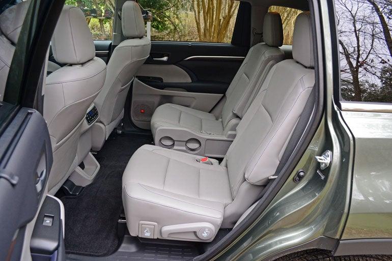 2014 Toyota Highlander XLE: The Chairman Kaga Review