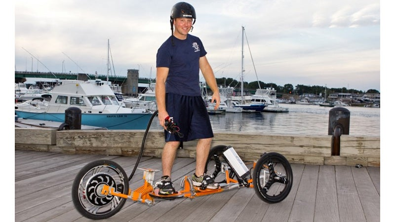 Standing Electric Trike Looks Like a Really Fun Way To Die