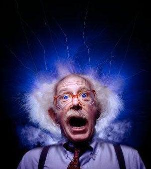 Fearmongers: Cellphones Add to Lightning Death Risk