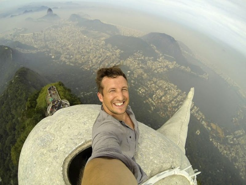 Man Takes Stomach-Churning Selfie Atop Brazil's Christ the Redeemer