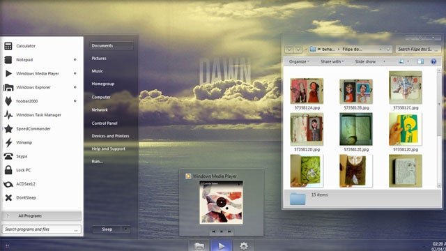 Glass Onion Is a Calming, Minimalist Windows 7 Theme