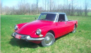 Citroën DS-amino's perfect for landing French-Canadian farmgirls