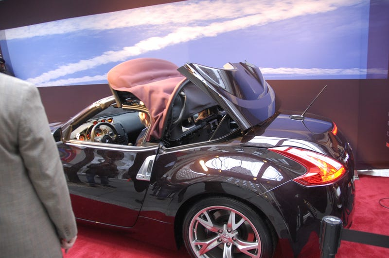 2010 Nissan 370Z Roadster Drops Top Live In New York