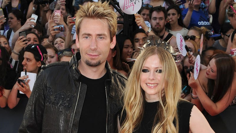 Avril Lavigne, Chad Kroeger Have Super Secret Wedding For Some Reason