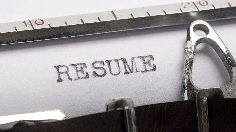 Should I Use a Paper Resume or an Online One?
