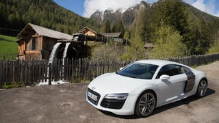 The Audi R8 V10 Driving Experience: The Not Jalopnik Review