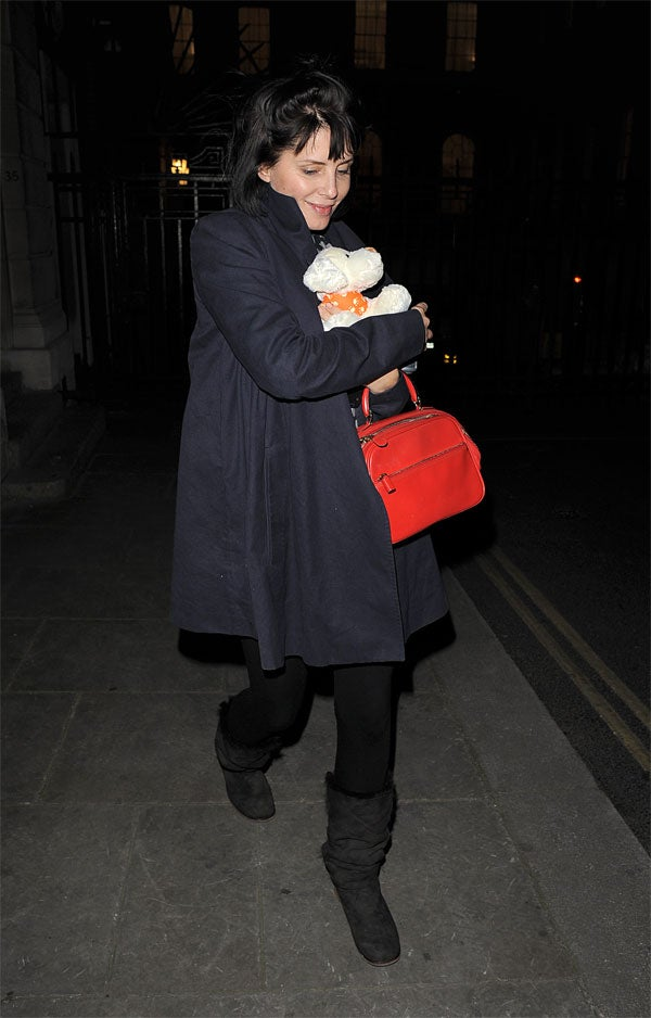 Sadie Frost Gets Doggy/Bag To Go