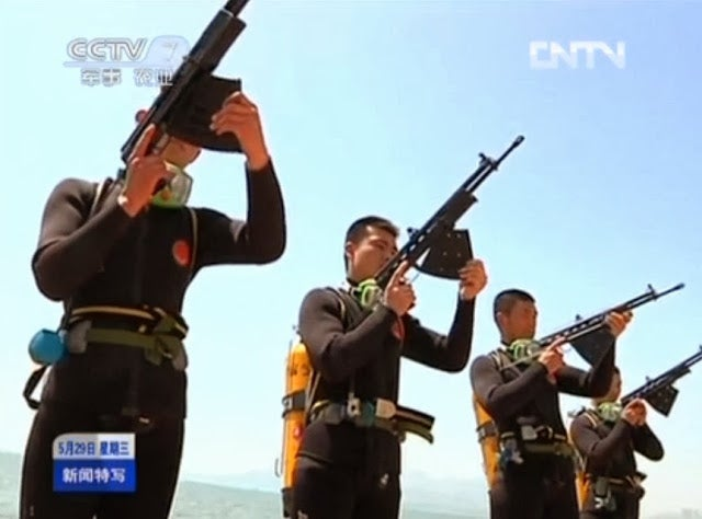 Chinese commandos get underwater machine guns