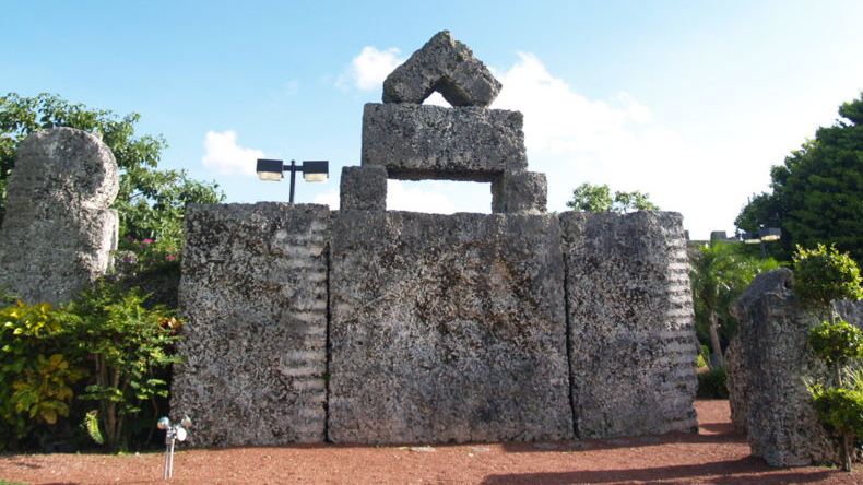 How One Man Created a 1,000 Ton Coral Castle in 1923