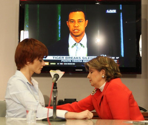 Tiger's Mistress Demands Apology; Elizabeth Edwards Jokes About John's Cheating