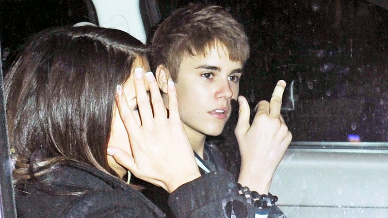 Justin Bieber Celebrates Birthday by Flipping Off the Paparazzi