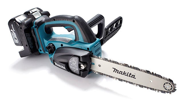 An Electric Chainsaw So Badass It Needs Two Batteries