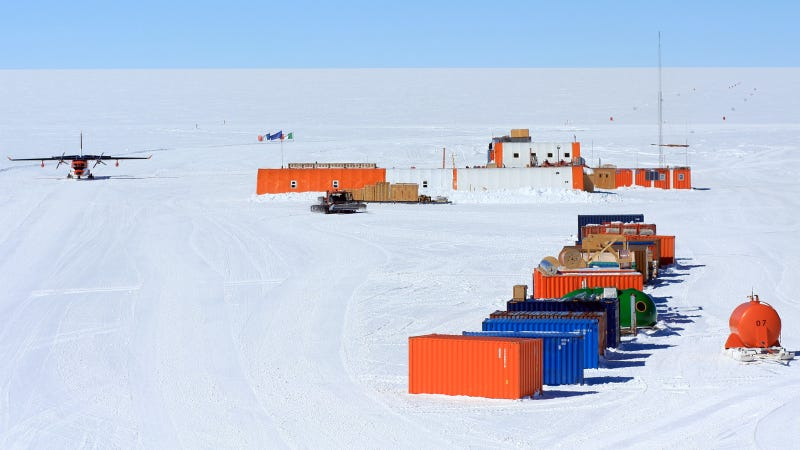 Resupplying The Concordia Base Through The Art of Polar Logistics