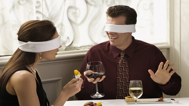 Blind Daters Realize They're Siblings
