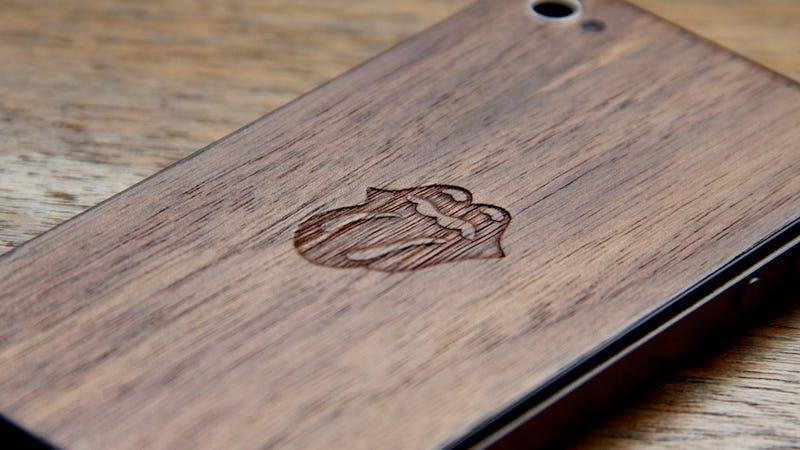 All iPhone 4s Should Have Handmade Wood JackBacks
