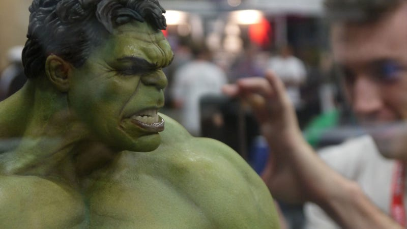 Behold the Glorious Epicenter of Costly Comic-Con Collectibles
