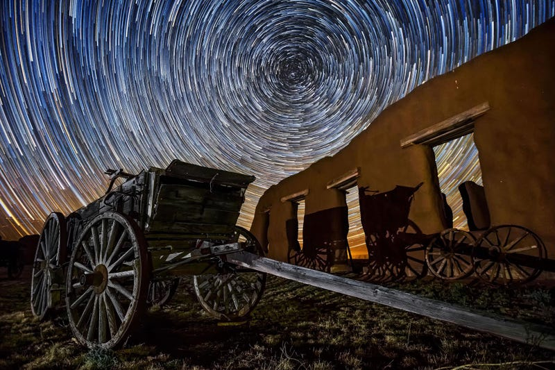 Escape Cruel Reality for Three Minutes With This Glorious Desert Night Time Lapse