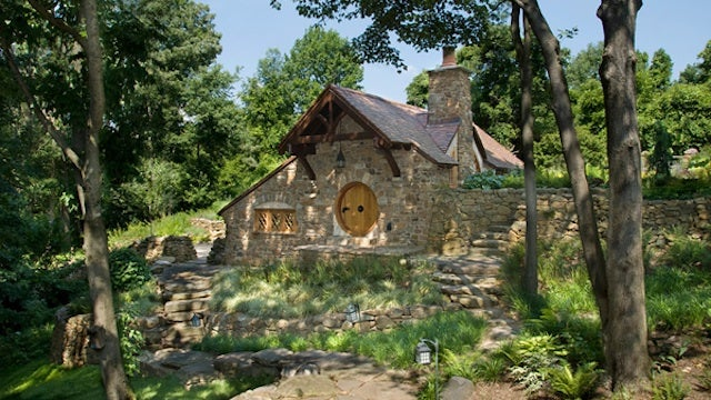 This may be the classiest Hobbit house ever built