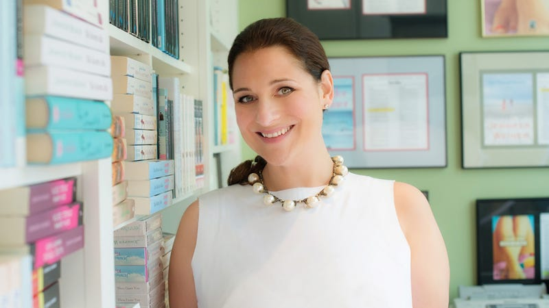 Bestselling Author Jennifer Weiner Is Here to Answer Your Questions