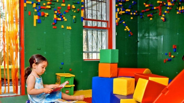 Duplo-Covered Walls Shouldn't Be Confined to Just the Kids' Bedrooms