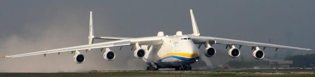 Rusia: avión que transporta 200 tanque.. tiembla USA