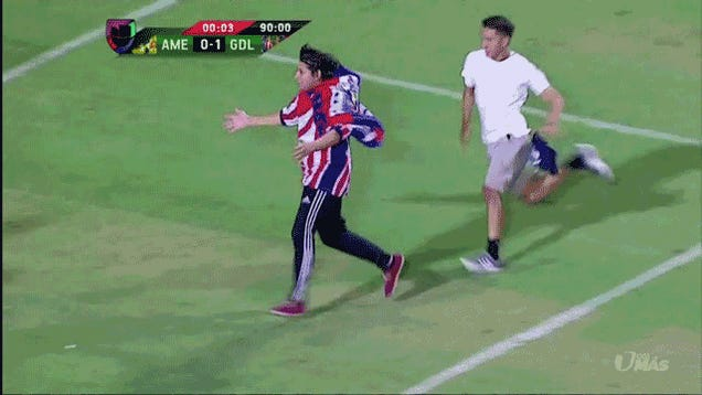 """Friendly"" Mexican League Match In Las Vegas Gets Violent And Idiotic"