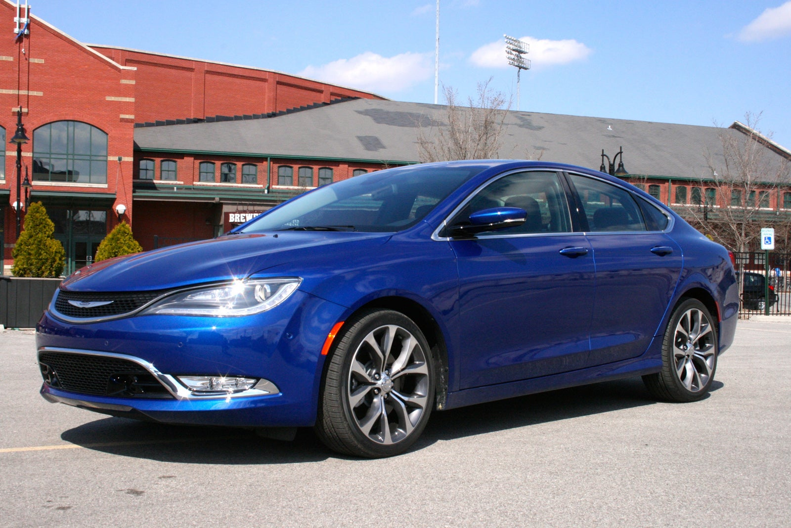 Why The 2015 Chrysler 200 Deserves Your Attention