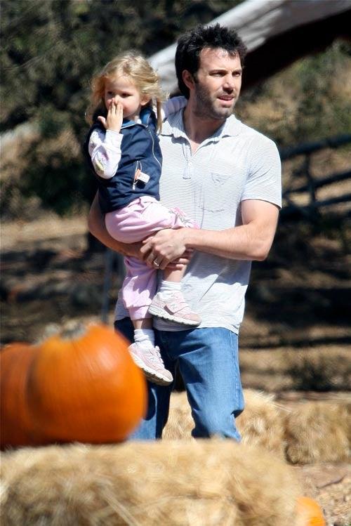 Violet & Ben Pick Pumpkins, Dig For Gold