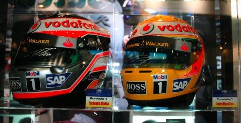 Tokyo Motor Show: Alonso and Hamilton Helmets — BFF!
