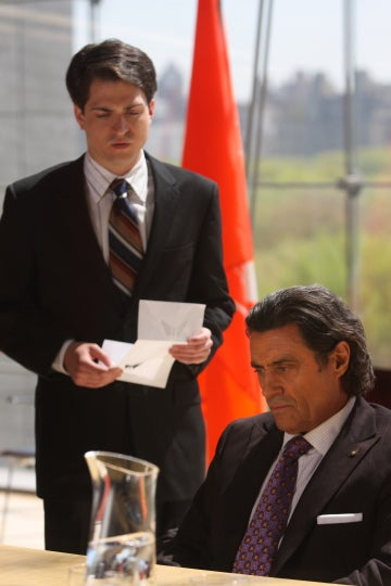 We Unravel Ian McShane's Royal Issues In Kings