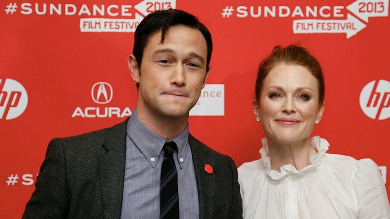 Julianne Moore and Joseph Gordon-Levitt Talk About How Porn and RomComs Are All About Objectification
