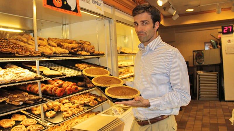 Cincinnati Deliciously Torn Apart by Pumpkin Pie Wars