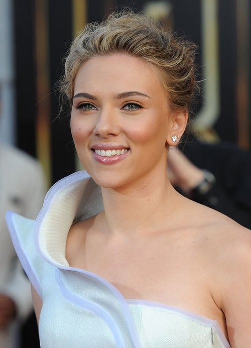 "Scarlett Buys A Farm; Gaga's Lupus Test ""Borderline Positive"""
