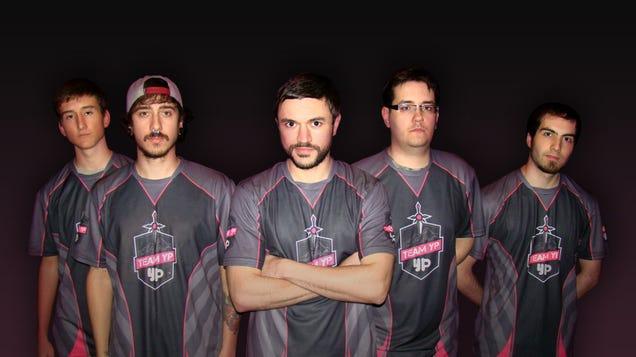El porno ahora patrocina equipos de eSports: nace el Team YouPorn
