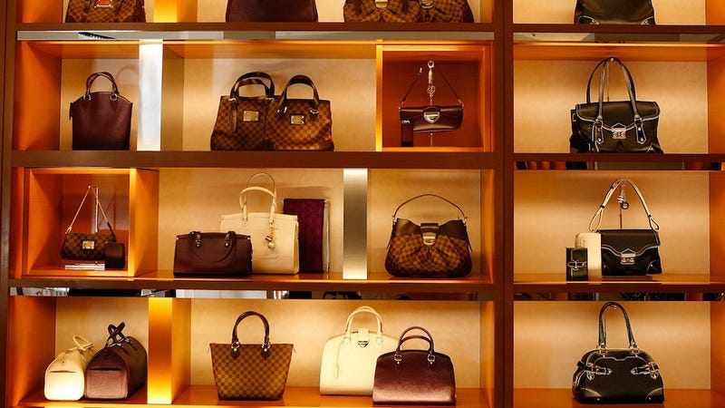 Average Lady's Handbag Contains $2K Worth Of Crap, Says Dubious Survey