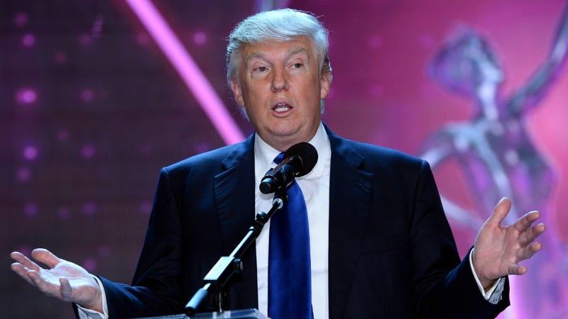 Donald Trump Demands Bigger iPhone Screen, a Steve Jobs Zombie
