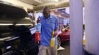 A Carwash In Florida Is Employing Autistic Workers And That Is Great
