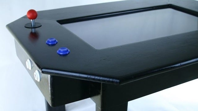This Raspberry Pi-Powered DIY Coffee Table Arcade Machine Is Easy to Make, Offers Endless Entertainment