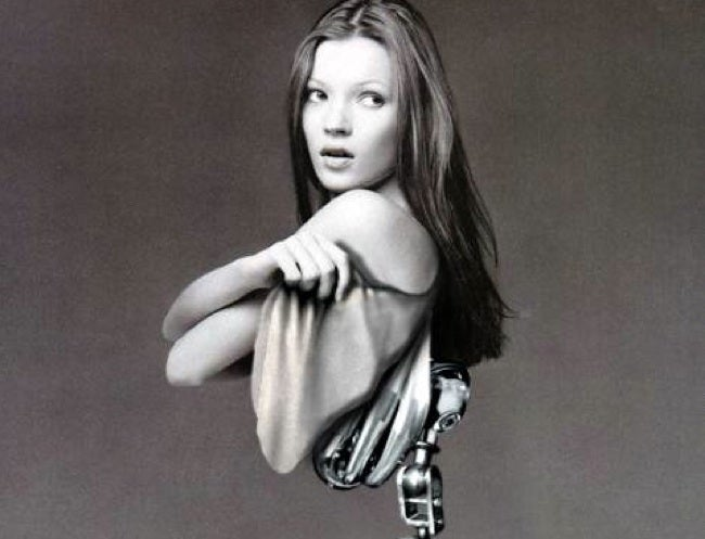 Kate Moss Suffers From Roborexia