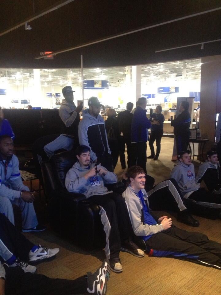 St. Louis Hit Traffic On The Way To Airport, So They're Watching The Selection Show From A Best Buy In Jersey