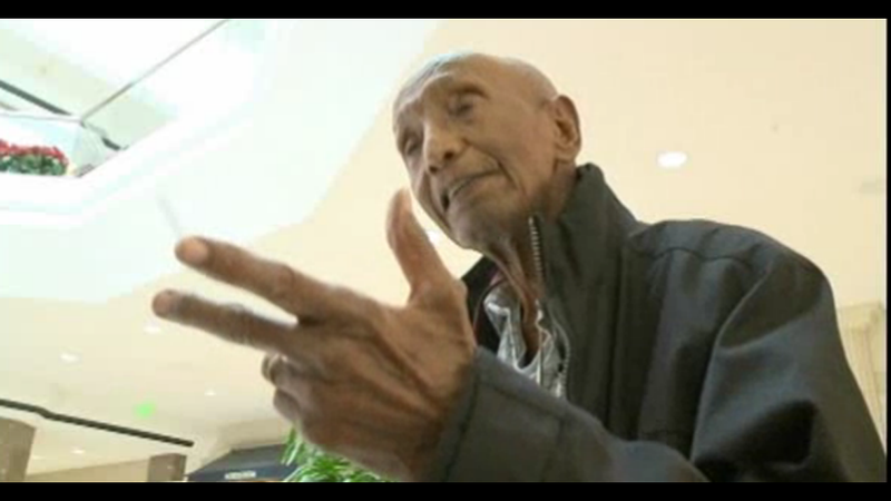 This Is How You Live Forever: 103-Year-Old Man Walks the Mall Everyday