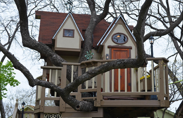 Awesome Grandparents Created Ridiculously Awesome Tree House Mansion for Their Grandkids
