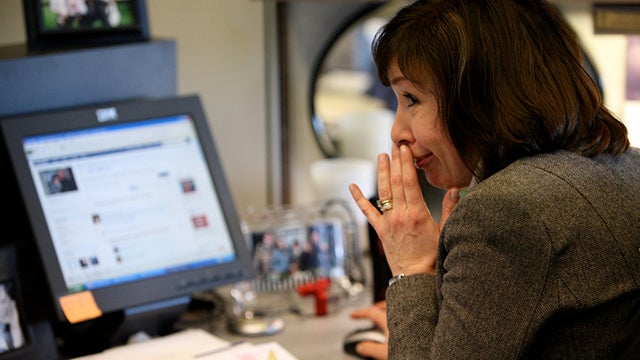 Employees Who Use Multiple Social Networks May Be Better Workers
