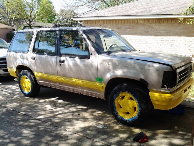 How To Build A Painstakingly Perfect Jurassic Park Ford Explorer