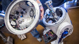 Take A Look At The Beautiful Mechanical Innards Of An R/C R2-D2